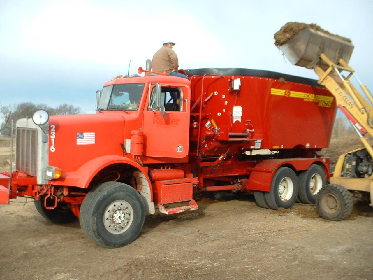 Menyewa Trenton Big Truck di Jakarta