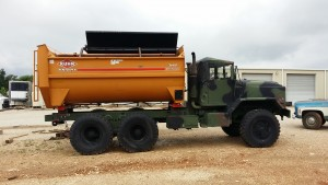 Kuhn knight feed box